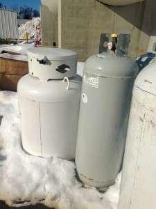 100 pound propane tank